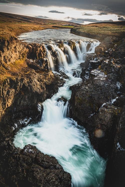 Obraz Kolugljúfur kaňon a vodopád