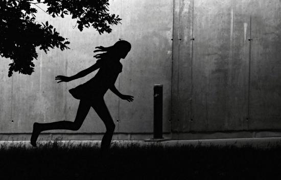 Obraz Běžící skulptura dívky